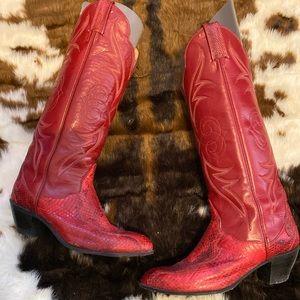 Gorgeous Tony Lama Snakeskin boots